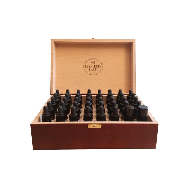 Coffret  rempli  en  bois  couleur  acajou  avec  38  élixirs  +  2  sprays  Les  Fleurs  de  Bach